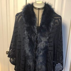 Accessories - Shawl with faux fur